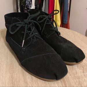 TOMS black Chukka mocassin booties size 10